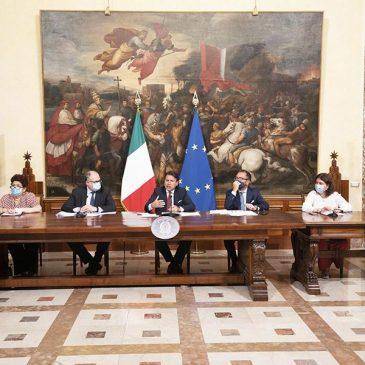 """DPCM AGOSTO: Il Consiglio dei ministri approva """"salvo intese"""""""